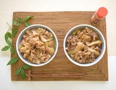 吉野家 牛丼・豚丼食べ比べセットの画像